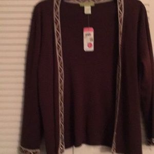 Beautiful lightweight sweater..NWT